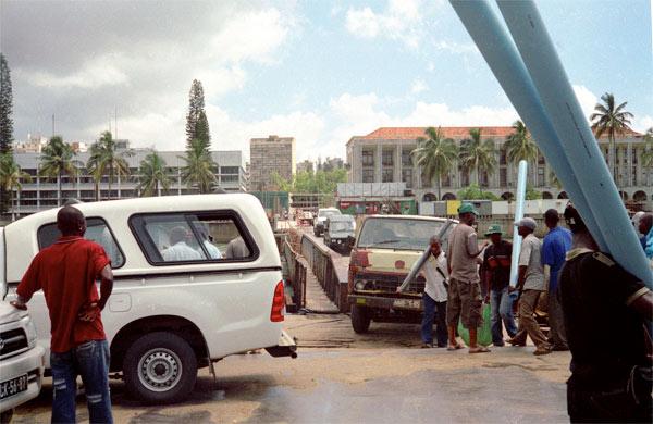 Loading of the ferry Maputo-Katembe